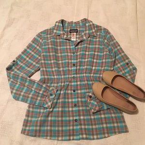 Patagonia button up plaid shirt